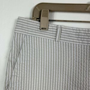 Banana Republic Shorts - Banana Republic Womens 8 Shorts Striped White Gray